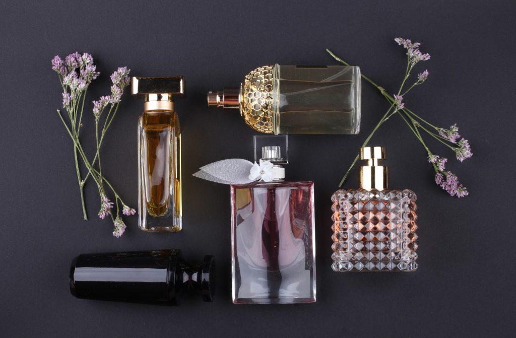 kako razlikovati parfem i toaletnu vodu