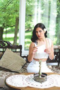 Glumica i model Ivana Poposka