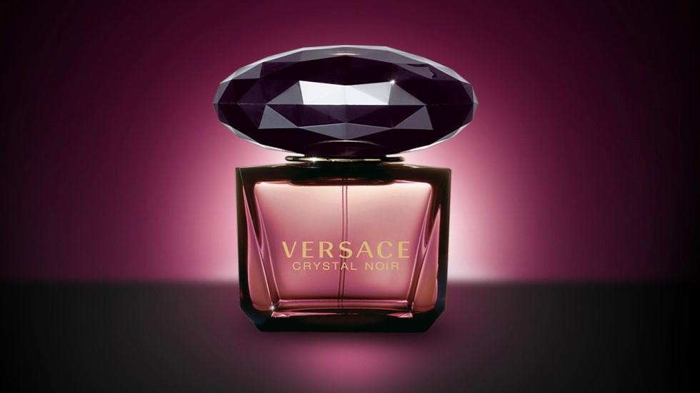 Versace - Crystal Noir eau de parfum review • Scentertainer